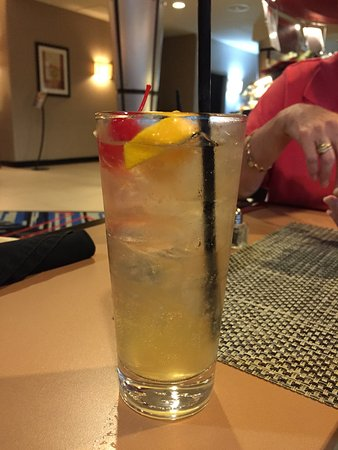 Cambria Hotel & Suites Fort Lauderdale, Airport South & Cruise Port: An interesting cocktail at a reasonable price