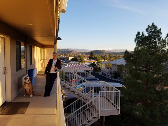 Cottonwood, AZ: Great views from the second level. Pet friendly!
