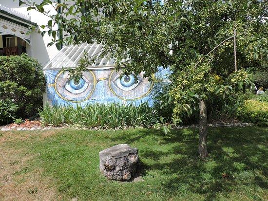 Brantford, Canada: Property