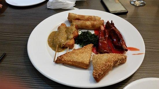 China Lodge: Mixed starter platter