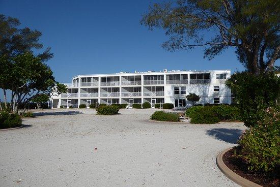 Island Inn Photo