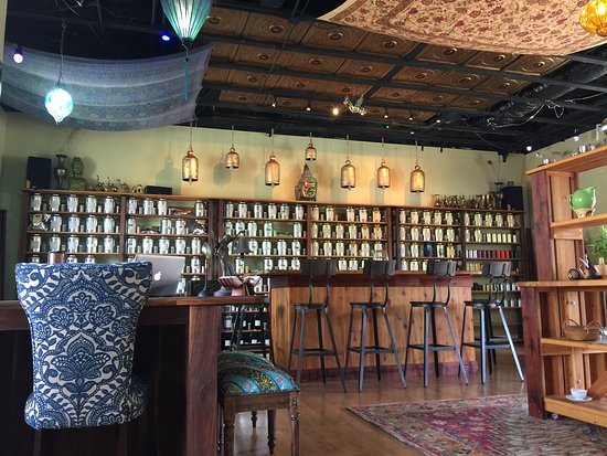 Wilwand Tea Co & Healing Arts: tea room