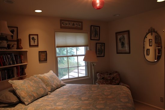 Eastsound, WA: Salmon Shoal Bedroom