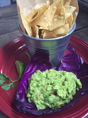 Placerville, Kaliforniya: Guacamole and chips
