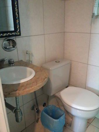 Apa Hotel: Banheiro