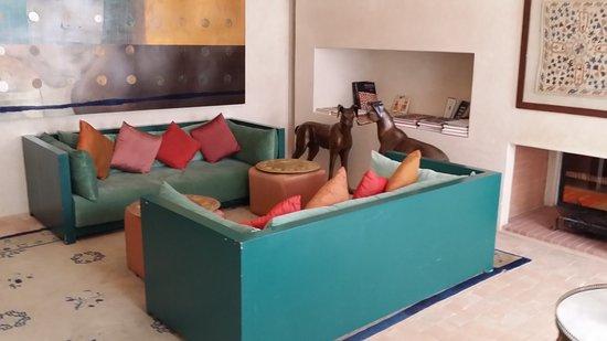 Palais Khum: Living Room