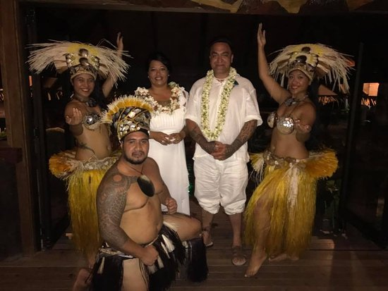 Muri, Islas Cook: Our one special moment with the dancers at Te Vara Nui Village.