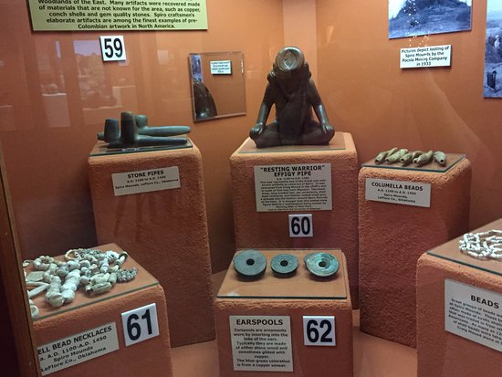 Shiloh Museum of Ozark History: Artifacts from the Spiro (OK) mounds