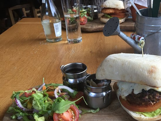 Bolton by Bowland, UK: Tasty Low Fat Lunch!
