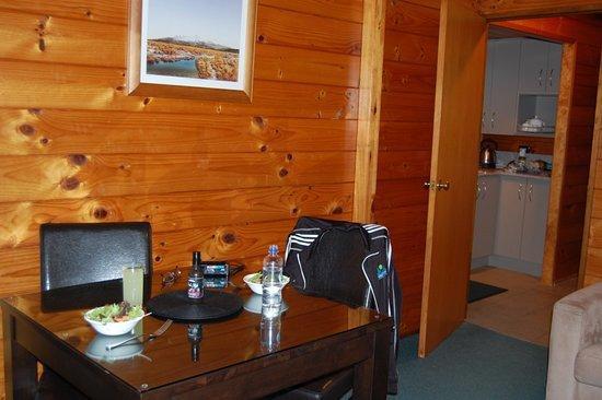 Turangi, Νέα Ζηλανδία: dining area in living room
