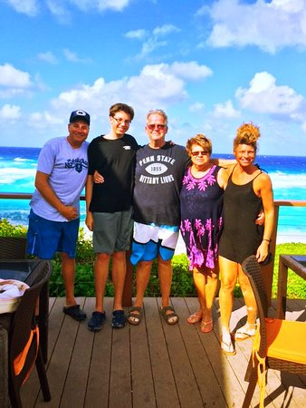 Middle Caicos: The family @ Mudjin......world class spot