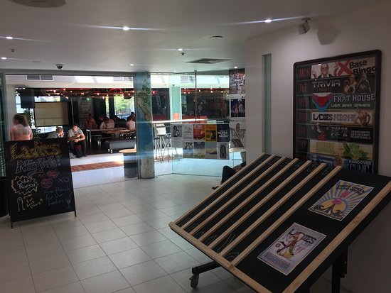 Base Backpackers St Kilda : Hallway/Reception
