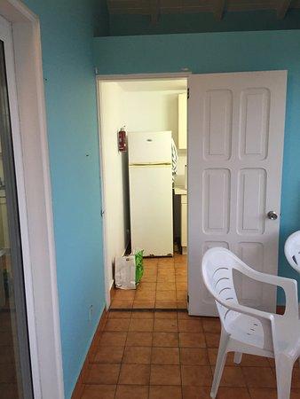 Auberge de la Petite Anse : varanda e Cozinha