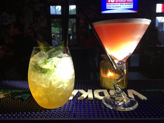 Station Bar & Wood Fired Pizza: Mojito and French Martini