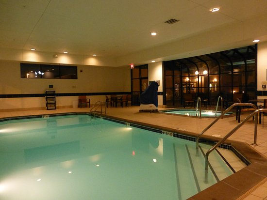 Indoor Pool And Hot Tub Picture Of Courtyard Des Moines West Clive Clive Tripadvisor