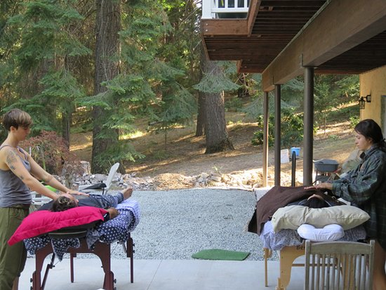 Weed, CA: Reiki energy healing training at Spirit Wisdom Healing, Mount Shasta