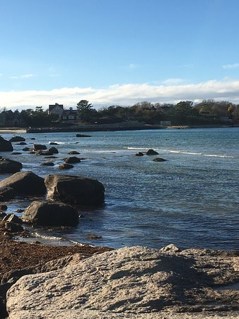 Woods Hole, MA: Stony Beach