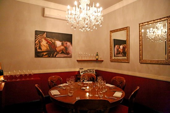 Little truffle dining room bar mermaid beach for Best private dining rooms brisbane