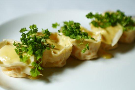 Little Truffle Dining Room & Bar: Handmade Moreton Bay bug and prawn tortellini
