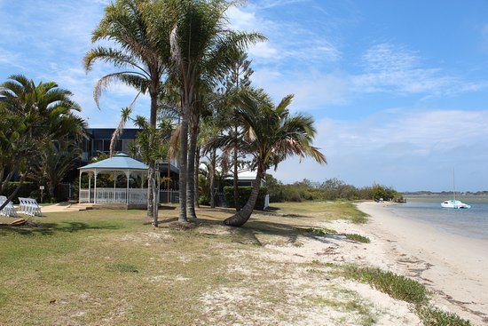 Golden Beach, Australia: The Marriage Gazebo right beside the water