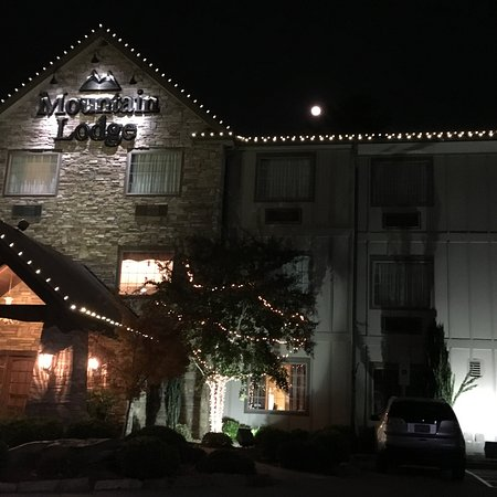 Mountain Lodge: On the night of the Supermoon . . .