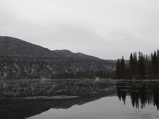 Trapper Creek, AK: Winter arrives at Byers Lake....Ice with rain on top.....