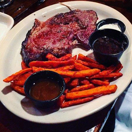 Massillon, Οχάιο: Tasty food pics... delicious prime rib