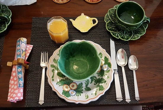 The 1863 House Bed and Breakfast: Breakfast setting