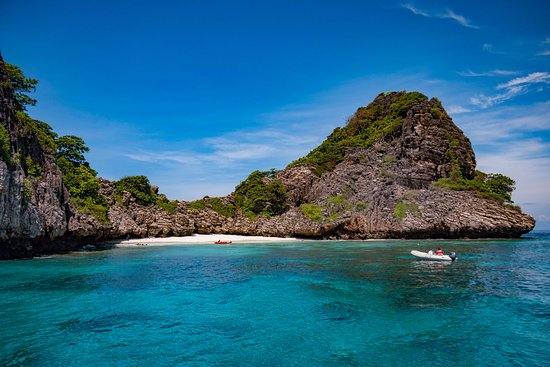 Flip Flop Divers: The Lagoon at Koh Haa