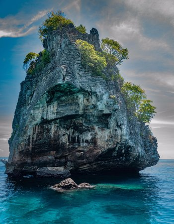 "Flip Flop Divers: Limestone rock called ""Island #2"" at Koh Haa"