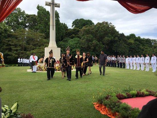 Labuan War Cemetery: Locals