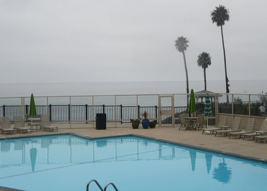Lodge Pismo Beach S Cliff Hotel Swimming Pool With View Of Pacific Ocean Best Western Plus