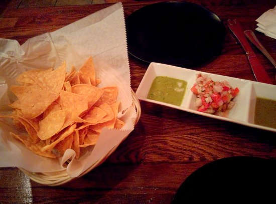 Lambertville, Nueva Jersey: Complementary Nachos and Salsa