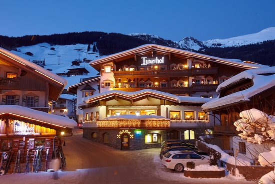 Hotel Alpin Spa Tuxerhof: Aussenansicht Winter