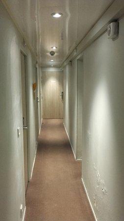 Chambre simple pour deux personnes + salle de bain - Bild von ...