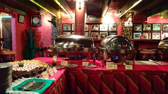 Amigos Restaurant Jakarta: The buffet set