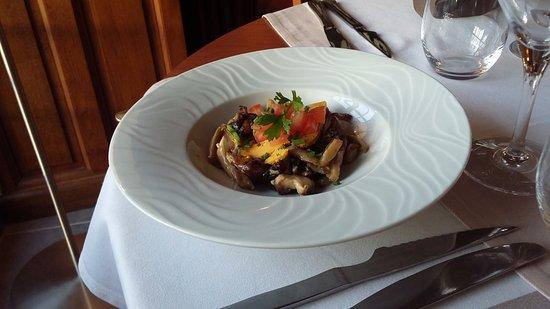 Guyancourt, فرنسا: poêlée de champignons au foie gras