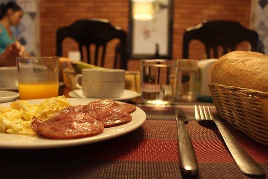 Nguyen Khang Hotel : Continental breakfast