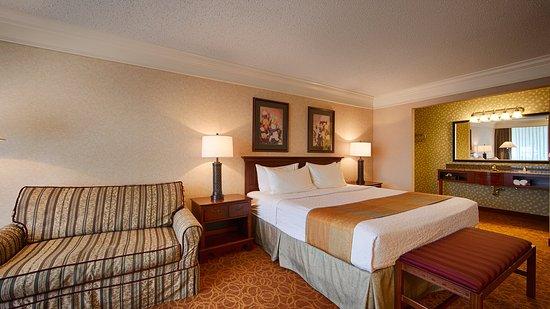 BEST WESTERN Inn of the Ozarks: Guest Room
