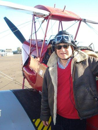 Fly Back In Time: Dai Wynn (vintage 1943) and Tiger Moth VH-IHU (vintage 1943)