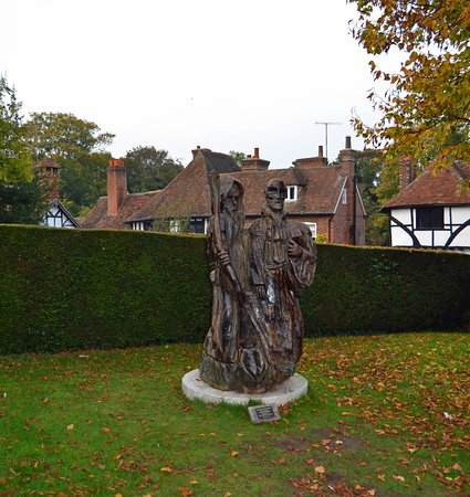 The Canterbury Pilgrims stopped at Chilham during their pilgramages.