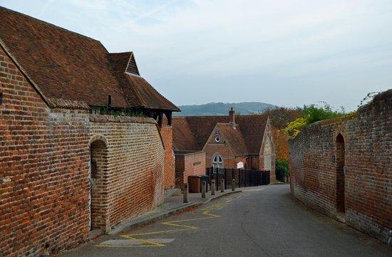 Chilham, UK: The village school.
