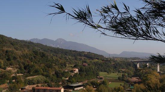 Castellfollit de la Roca, España: Twin peaks