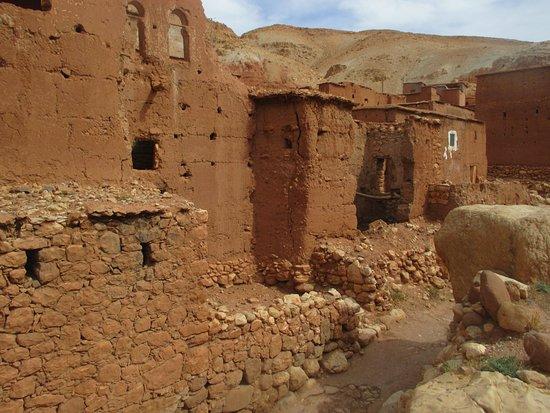 Hotel Royal: Okolí Ourzazate - cesta mezi vesnicemi Anmerit a Tamdaght