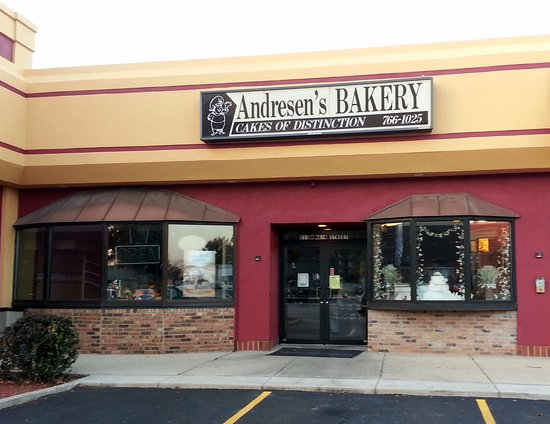 Bensenville, IL: front of & entrance from parking lot to Andresen's Bakery