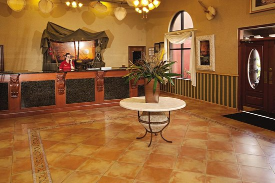 Parkway International Resort: Lobby view