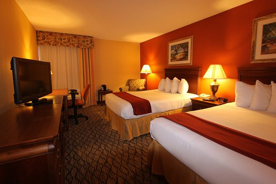 Miami Springs, FL: Holiday Inn Express Miami Airport Spacious Deluxe Two Beds Room