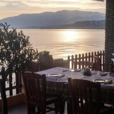 Kato Achaia, Yunani: Restaurant...