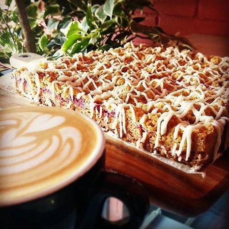 Belmont, Australia: Raspberry oat slice