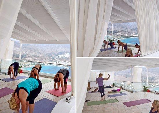 Aegialis Hotel & Spa: Yoga lesson in Ananda Shala
